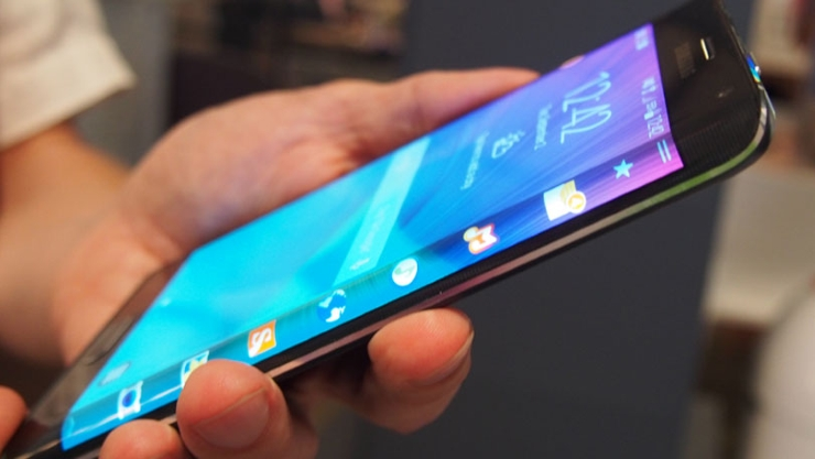 Samsung Galaxy Note edge will be soon available in Canada