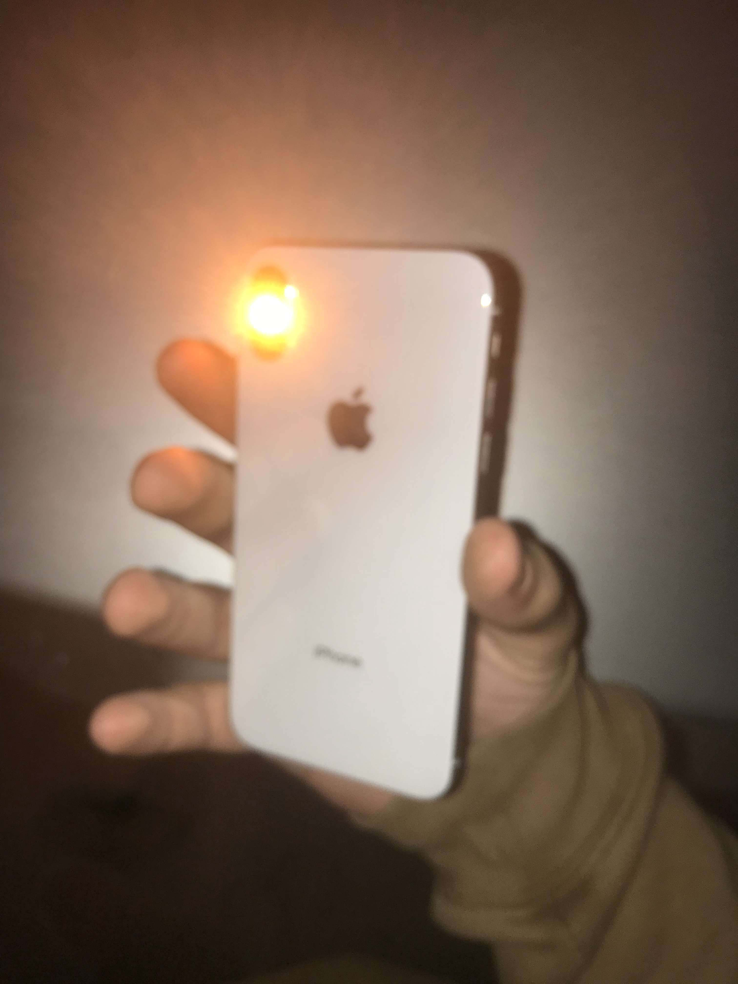 A number of iPhone X and XS owners have problems with their smartphones' flashlights
