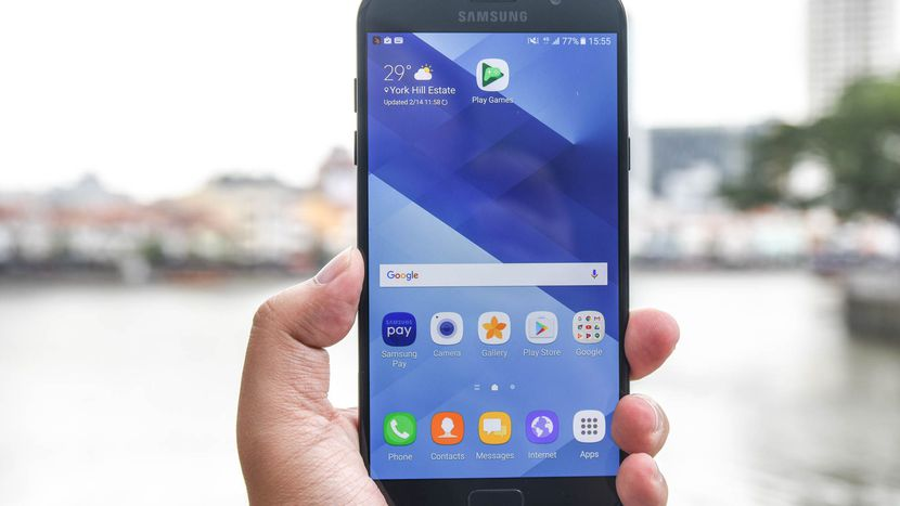 Unlocked Galaxy A7 (2017) ships out to the US