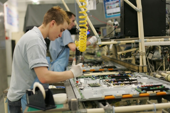 Will Samsung shut down its production plants in Slovakia?