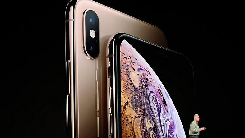 iPhones Xs and Xs Max officially